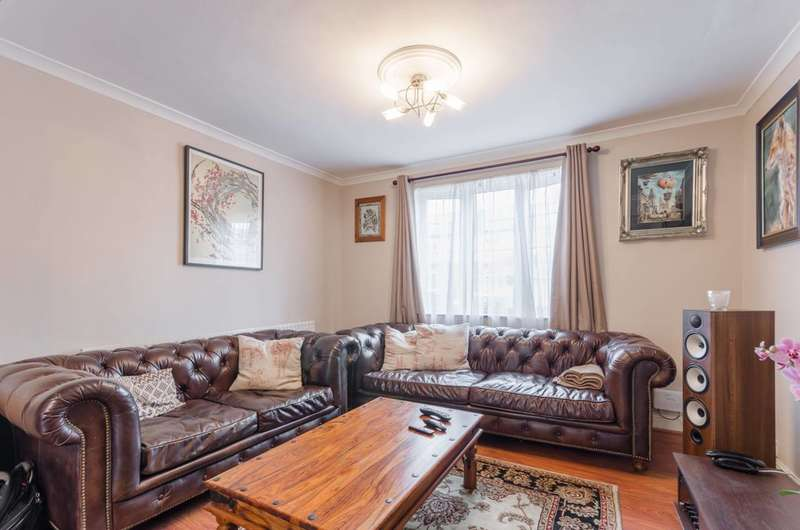 3 Bedrooms Terraced House for sale in Warwick Road, Higham Hill, E17