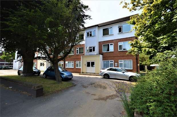 2 Bedrooms Flat for sale in Harley Court, Blake Hall Road, London