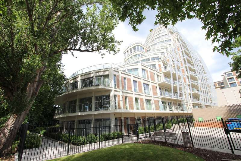 3 Bedrooms Flat for sale in Henry Macaulay Avenue, Kingston Upon Thames
