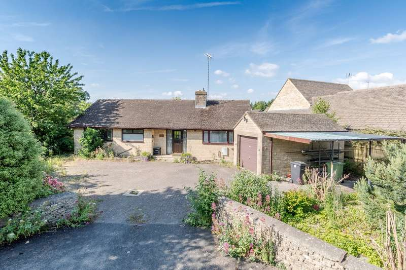 2 Bedrooms Detached Bungalow for sale in South Cerney, Cirencester