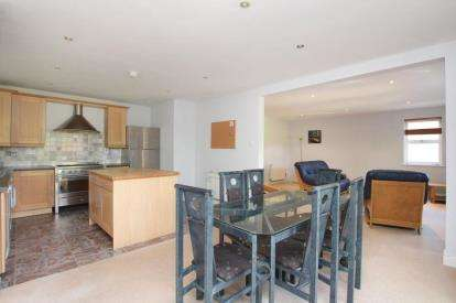 2 Bedrooms Flat for sale in Manchester Road, Sheffield, South Yorkshire