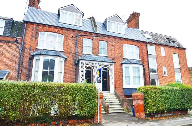 2 Bedrooms Flat for sale in Lower Teddington Road, Hampton Wick, KT1