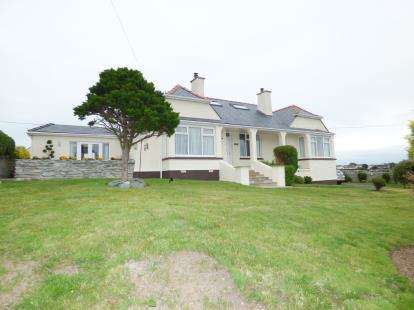 5 Bedrooms Detached House for sale in Valley, Holyhead, Sir Ynys Mon, LL65