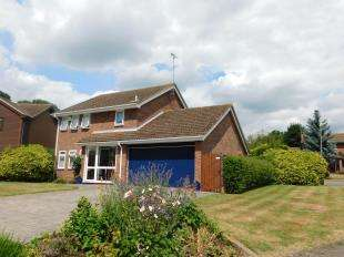 4 Bedrooms Detached House for sale in Lombardy Drive, Maidstone, Kent