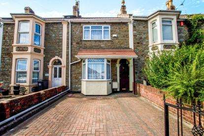 3 Bedrooms Terraced House for sale in Ridgeway Road, Bristol, Somerset