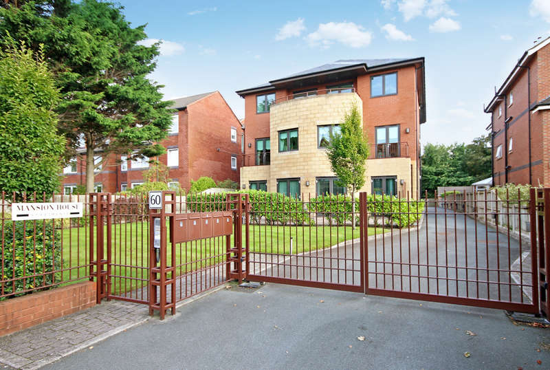 3 Bedrooms Flat for sale in Queens Road, Hesketh Park, Southport