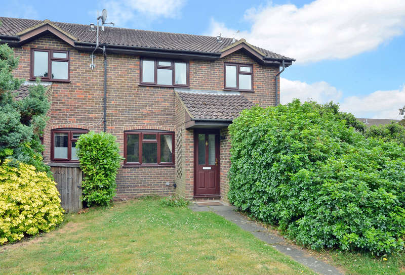 2 Bedrooms Mews House for rent in Spruce Drive, Lightwater