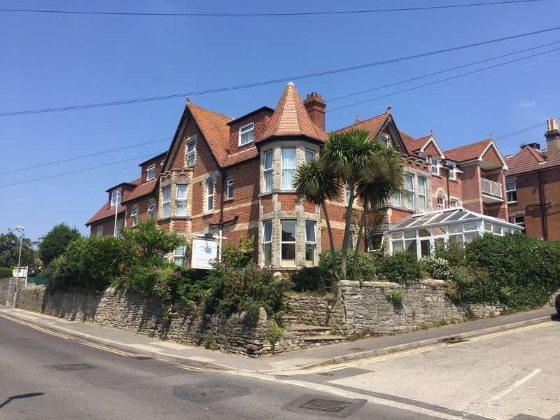 14 Bedrooms Guest House Gust House for sale in HIGHCLIFFE ROAD, SWANAGE