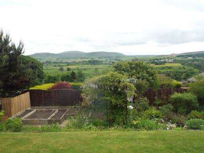 3 Bedrooms Bungalow for sale in Heatherside Road, Ramsbottom, Bury, Greater Manchester, BL0