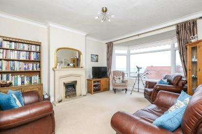 3 Bedrooms Maisonette Flat for sale in Everard Road, Rhos On Sea, Colwyn Bay, Conwy, LL28