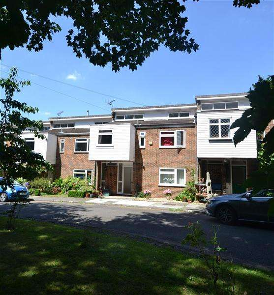 4 Bedrooms Terraced House for sale in Tudor Court, Castle Way, Hanworth Park