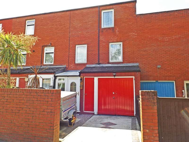 3 Bedrooms Town House for sale in Dengayne, Basildon, Essex, SS14