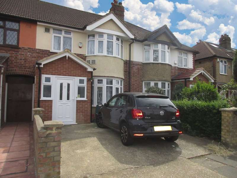 3 Bedrooms Terraced House for sale in Ash Grove, Hounslow, TW5