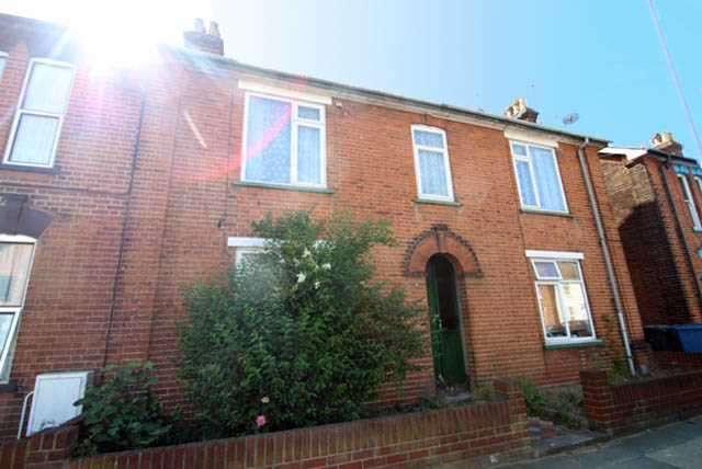Studio Flat for sale in Cauldwell Hall Road, Ipswich