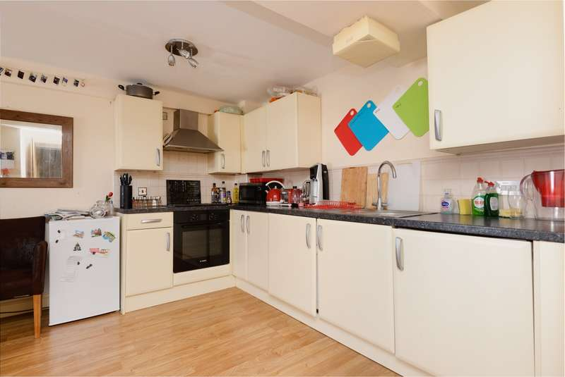 2 Bedrooms Apartment Flat for sale in The Maltings, Roper Road, Canterbury, CT2