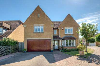 4 Bedrooms Detached House for sale in Dorchester Way, Elstow, Bedford, Bedfordshire