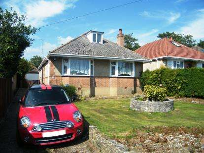 3 Bedrooms Bungalow for sale in Upton, Poole