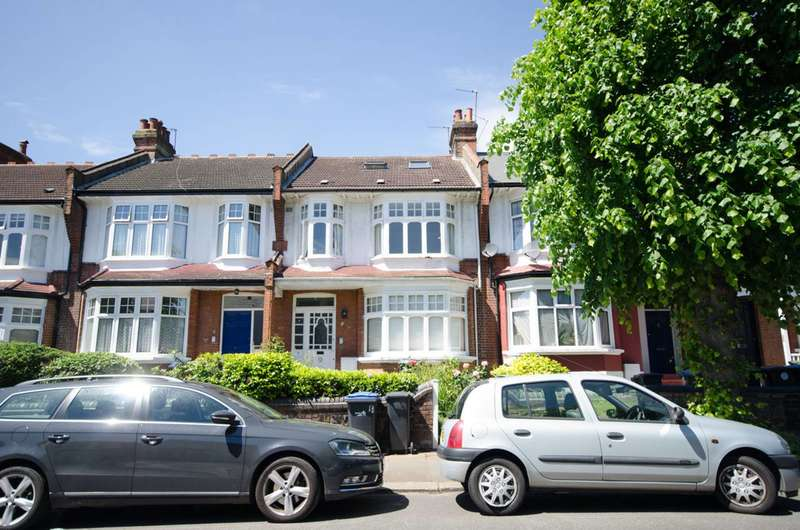 4 Bedrooms Maisonette Flat for sale in Caversham Avenue, Palmers Green, N13