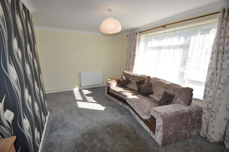 2 Bedrooms Flat for sale in Send Road, Reading, Berkshire, RG4