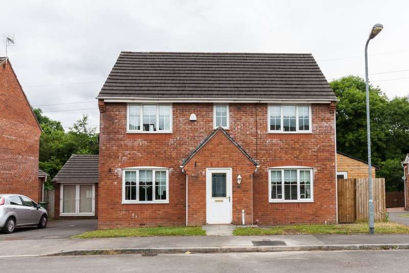4 Bedrooms Detached House for sale in Maes Y Bryn, Cardiff, Glamorgan, CF23
