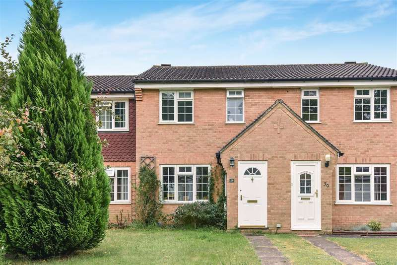 3 Bedrooms Terraced House for sale in Farcrosse Close, Snaprails Park, Sandhurst
