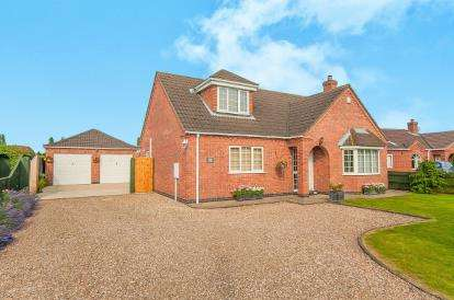 3 Bedrooms Bungalow for sale in Broadgate, Wrangle, Boston, Lincolnshire