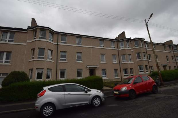 3 Bedrooms Flat for sale in 82 Bunessan Street, Craigton, G52