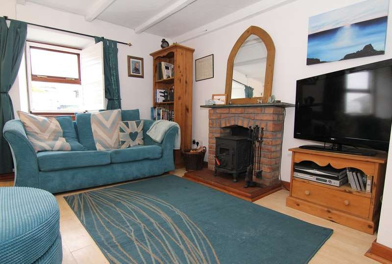 2 Bedrooms Terraced House for sale in Fore Street, St Just, Cornwall, TR19