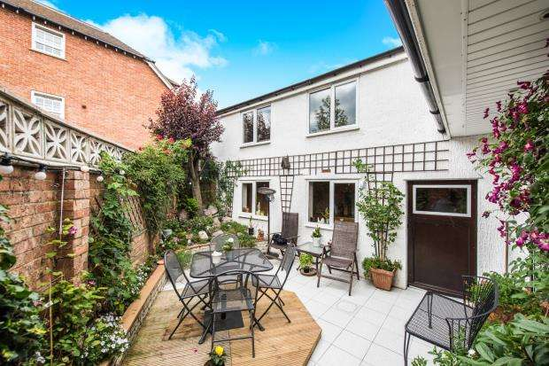 4 Bedrooms House for sale in Cobham, Surrey, Cobham