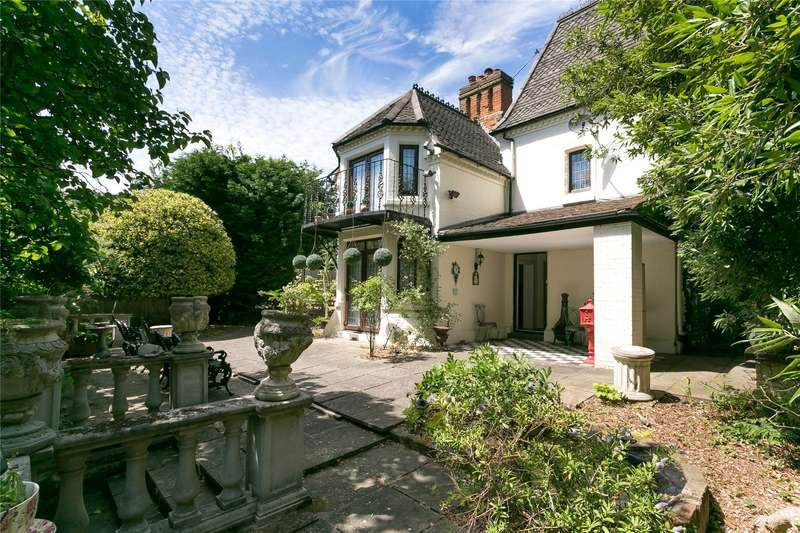 4 Bedrooms Detached House for sale in Copgate Path, London, SW16