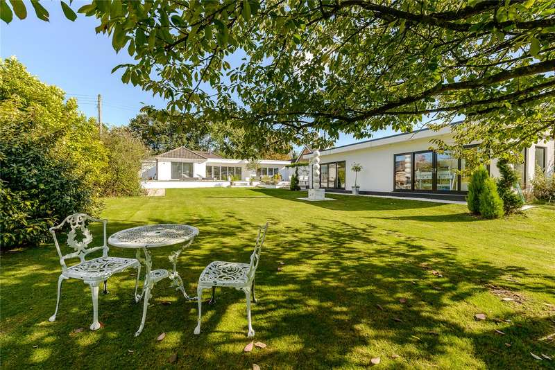 4 Bedrooms Detached Bungalow for sale in Shurdington Road, Shurdington, Cheltenham, Gloucestershire, GL51