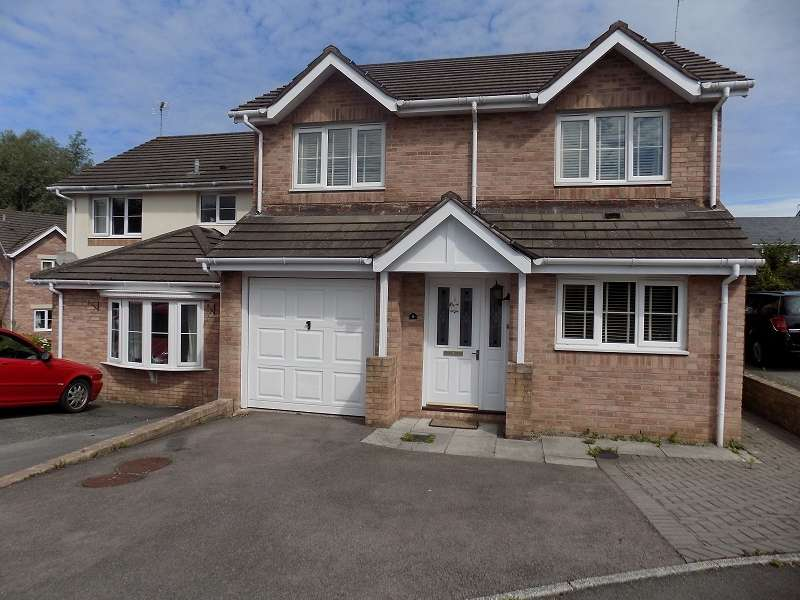 4 Bedrooms Detached House for sale in Maes Yr Eirlys , Broadlands, Bridgend. CF31 5DG