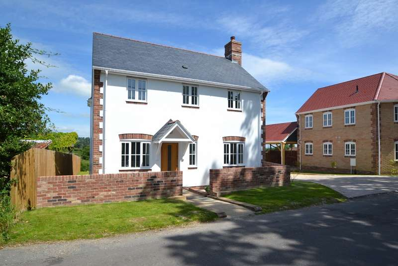3 Bedrooms Detached House for sale in Buckland Newton