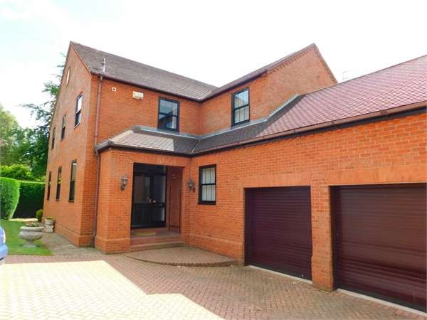 4 Bedrooms Detached House for sale in Bawtry Road, Doncaster, South Yorkshire