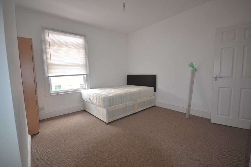 4 Bedrooms House for rent in Cumberland Road, Reading