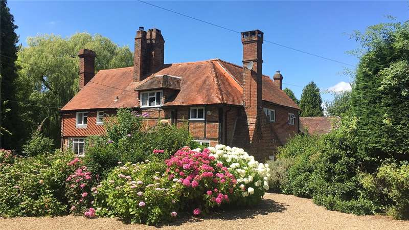 5 Bedrooms Detached House for sale in Horsham Road, Capel, Dorking, Surrey, RH5