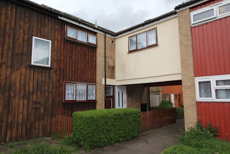4 Bedrooms End Of Terrace House for sale in Brewerne