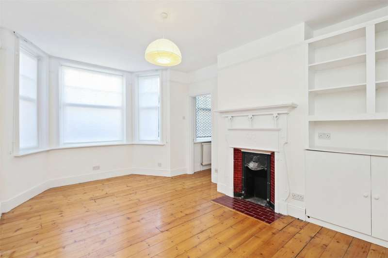 2 Bedrooms Flat for rent in Evesham House, Stanlake Road, Shepherds Bush