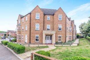 2 Bedrooms Flat for sale in Martin Court, Kemsley, Sittingbourne, Kent