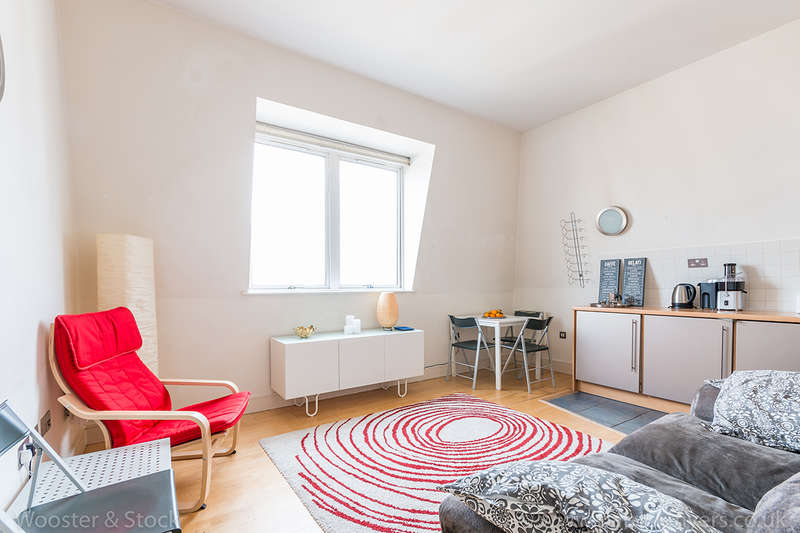 2 Bedrooms Penthouse Flat for sale in Peckham Grove, Peckham, SE15