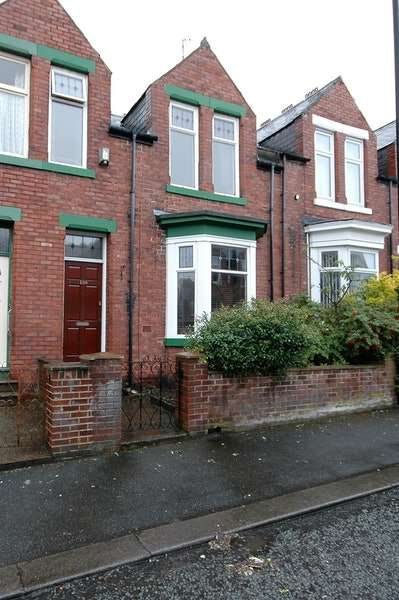 3 Bedrooms Terraced House for sale in Cleveland Road, Sunderland, Tyne and Wear, SR4