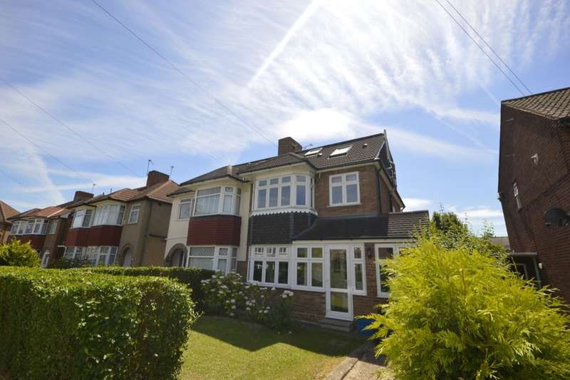 4 Bedrooms Semi Detached House for sale in Collingwood Close, Whitton, Twickenham, TW2