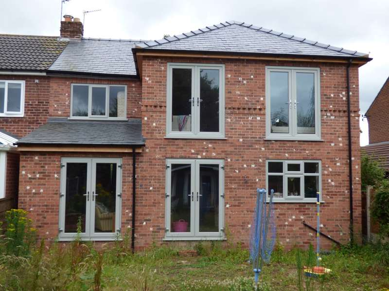 3 Bedrooms Semi Detached House for sale in Rochester Grove, Hazel Grove, Stockport