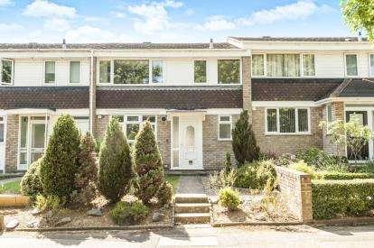 3 Bedrooms Terraced House for sale in Basildon Square, Hemel Hempstead, Hertfordshire