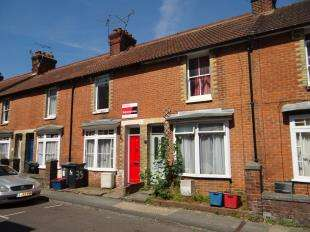 3 Bedrooms Terraced House for sale in St. Peters Lane, Canterbury, Kent