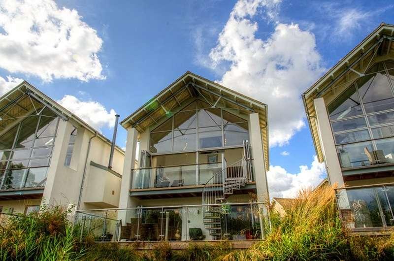 5 Bedrooms Detached House for sale in Somerford Keynes