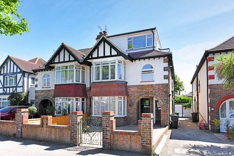 4 Bedrooms Maisonette Flat for sale in Berriedale Avenue, Hove, East Sussex, BN3