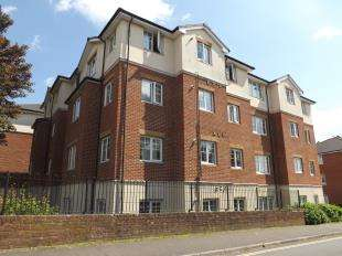 2 Bedrooms Flat for sale in Knepp House, Kennedy Road, Horsham, West Sussex