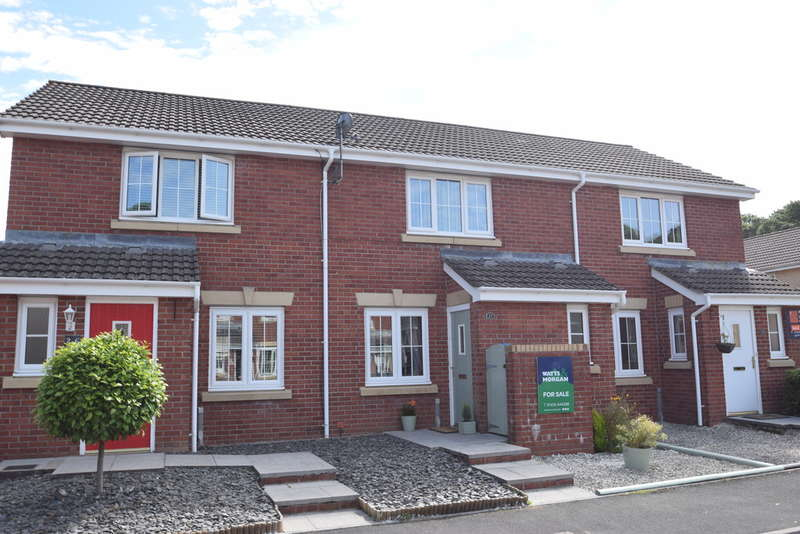 2 Bedrooms Terraced House for sale in 27 Cwm Felin, Blackmill, Bridgend, Bridgend County Borough, CF35 6EJ