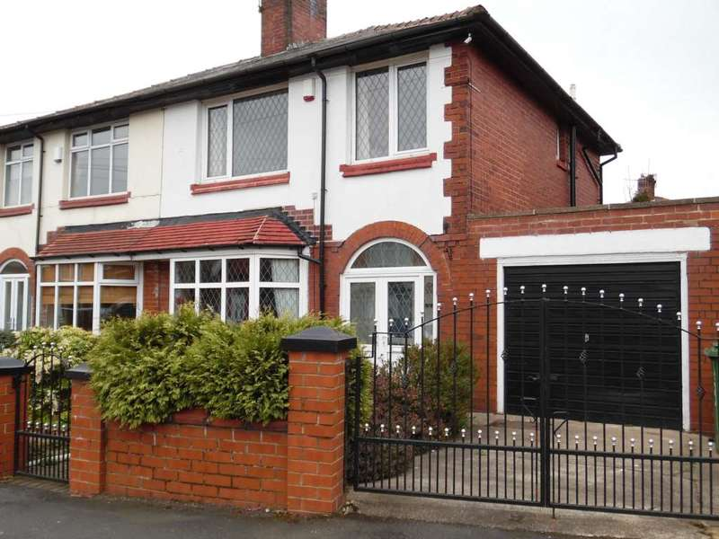 3 Bedrooms Semi Detached House for sale in Bertha Street, Shaw